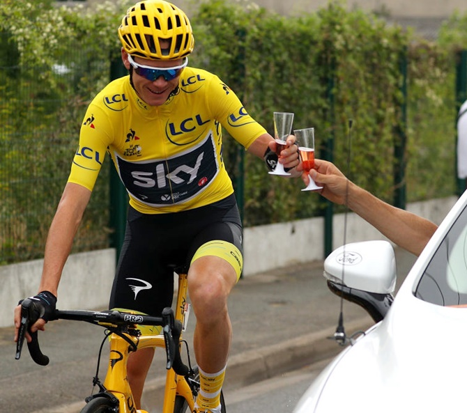 Rediff Sports - Cricket, Indian hockey, Tennis, Football, Chess, Golf - Sports Shorts: Froome claims fourth Tour title