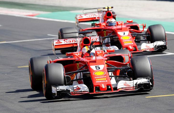 Rediff Sports - Cricket, Indian hockey, Tennis, Football, Chess, Golf - Vettel denies Hamilton a record-equalling pole