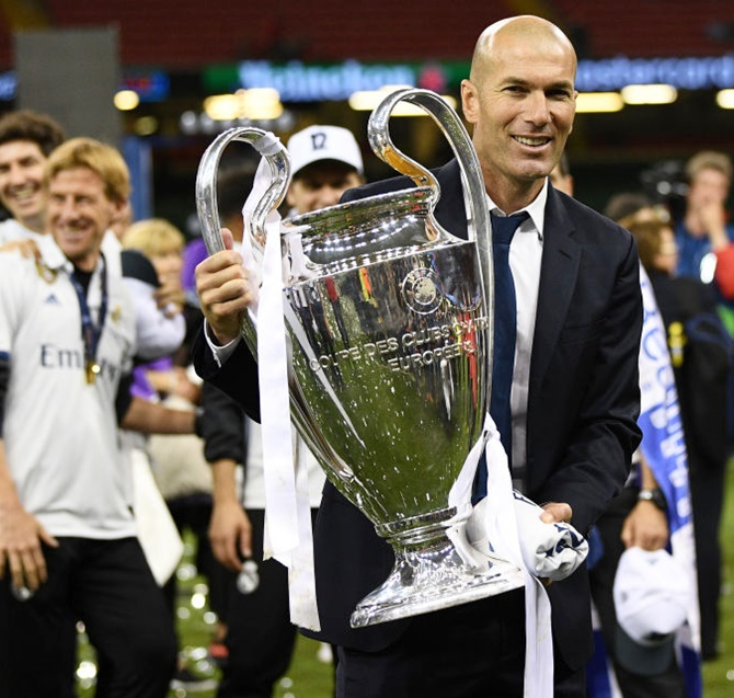 Rediff Sports - Cricket, Indian hockey, Tennis, Football, Chess, Golf - 'Zidane can stay at Real Madrid for life'