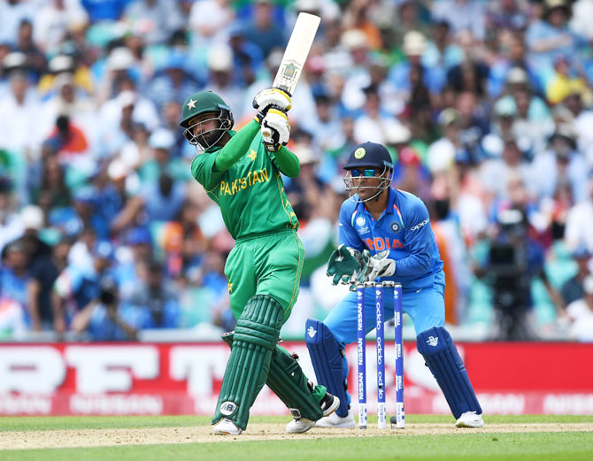 Pakistan's Mohammad Hafeez en route his aggressive innings