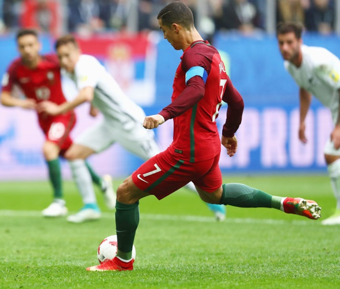 Rediff Sports - Cricket, Indian hockey, Tennis, Football, Chess, Golf - Confederations Cup: Portugal on way to semis; Mexico oust Russia