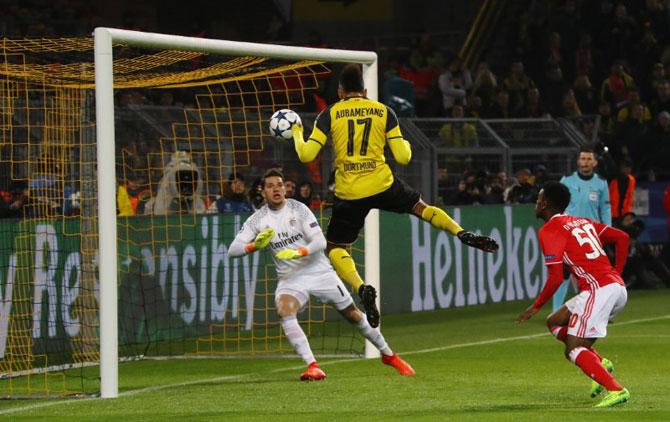Borrusia Dortmund's Pierre-Emerick Aubameyang scores their opening goal against Benfica during their Champions League Roundof 16 match on Wednesday