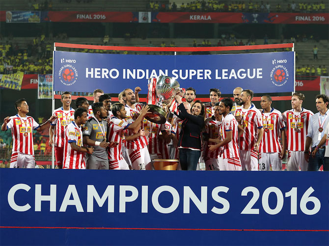 Rediff Sports - Cricket, Indian hockey, Tennis, Football, Chess, Golf - 'India has a fast-growing football scene'