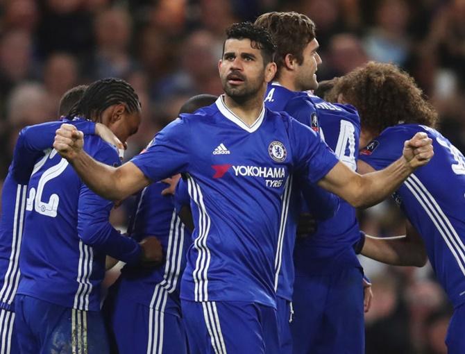 Rediff Sports - Cricket, Indian hockey, Tennis, Football, Chess, Golf - FA Cup: Chelsea beat Mourinho's 10-man United to reach semis