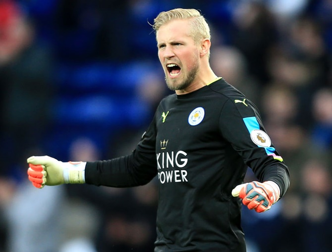 Rediff Sports - Cricket, Indian hockey, Tennis, Football, Chess, Golf - Like father like son, Schmeichel saves day for Leicester