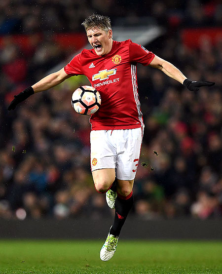 Rediff Sports - Cricket, Indian hockey, Tennis, Football, Chess, Golf - Chicago Fire sign Schweinsteiger from Manchester United
