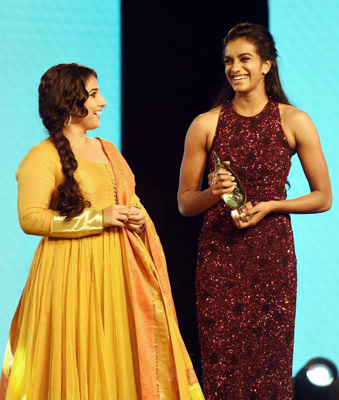 Rediff Sports - Cricket, Indian hockey, Tennis, Football, Chess, Golf - PHOTOS: Stars descend in all their glory at Sports Awards night