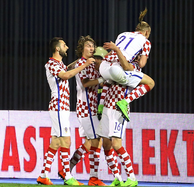 Croatia's players celebrate after Nikola Kalinic scored a goal against Ukraine on Friday, March 23