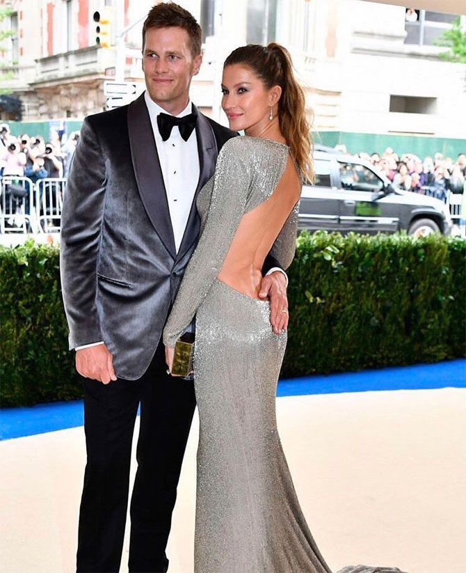 New England Patriots' Tom Brady and wife Gisele Bundchen arrive at the Met Gala