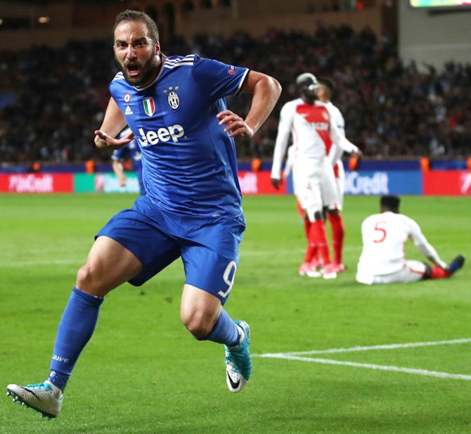 Rediff Sports - Cricket, Indian hockey, Tennis, Football, Chess, Golf - Champions League PIX: Higuain double sends Juve close to final
