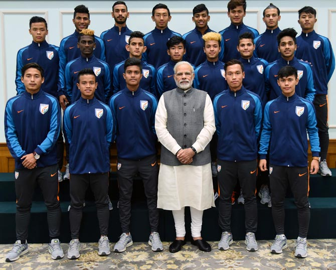 Rediff Sports - Cricket, Indian hockey, Tennis, Football, Chess, Golf - 'Huge responsibility on your shoulders,' PM Modi tells U-17 team
