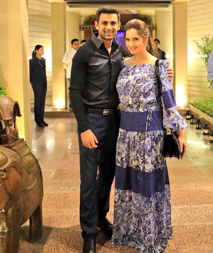 Rediff Cricket - Indian cricket - Shoaib Malik sends wife Sania a special birthday message