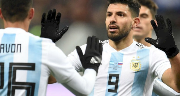 Rediff Sports - Cricket, Indian hockey, Tennis, Football, Chess, Golf - Football Friendlies: Argentina star Aguero collapses, Germany unbeaten