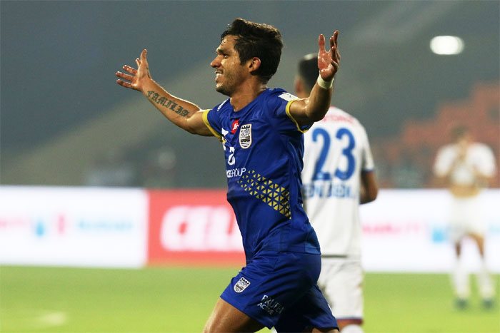 Rediff Sports - Cricket, Indian hockey, Tennis, Football, Chess, Golf - Indian football round-up: Mumbai City FC strike late to down FC Goa