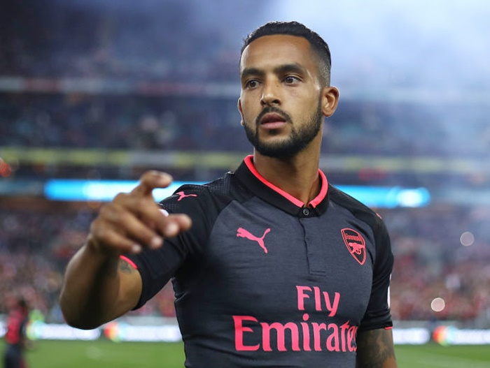 Should Walcott leave Arsenal?