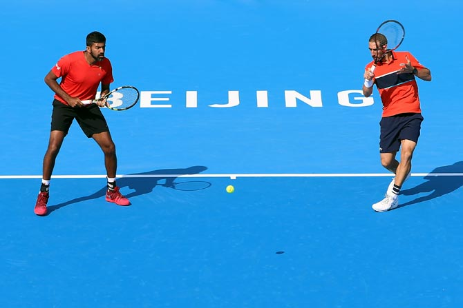 Rohan Bopanna of India and Pablo Cuevas of Uruguay