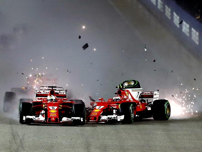 Rediff Sports - Cricket, Indian hockey, Tennis, Football, Chess, Golf - Tatas give F1 fans a taste of virtual-reality