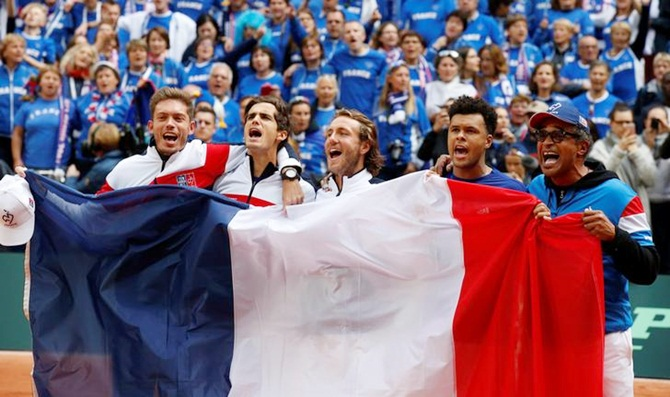 Rediff Sports - Cricket, Indian hockey, Tennis, Football, Chess, Golf - France to play Davis Cup final against Belgium in Lille