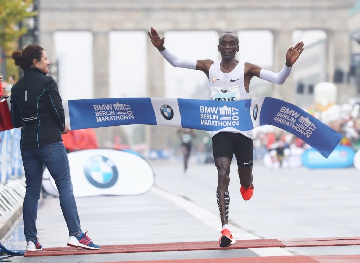 Rediff Sports - Cricket, Indian hockey, Tennis, Football, Chess, Golf - Kipchoge misses record in rainy Berlin triumph