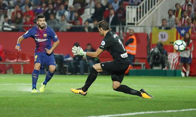 Rediff Sports - Cricket, Indian hockey, Tennis, Football, Chess, Golf - Barca too good for Girona; Real sneak past Alaves