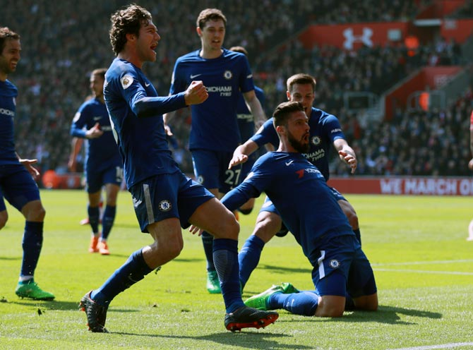 Giroud double inspires incredible Chelsea comeback