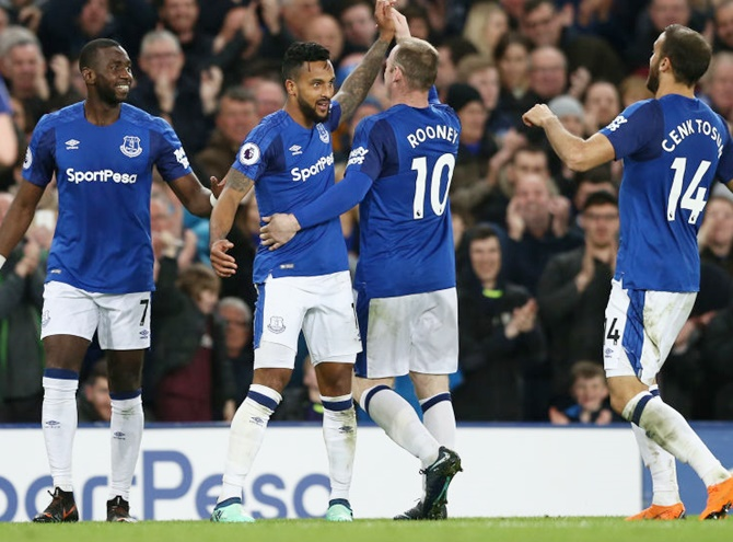 EPL: Walcott winner against Newcastle sends Everton eighth