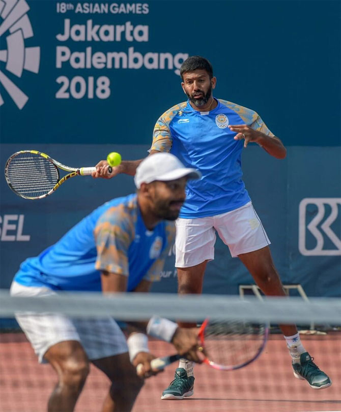Rohan Bopanna and Divij Sharan in action during their match on Thursday