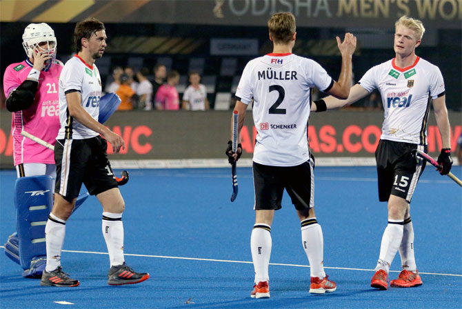 Hockey World Cup: Pakistan lose to Germany, Dutch win easy