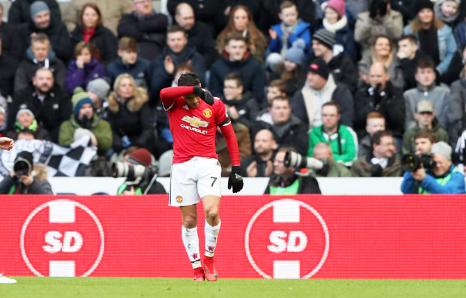 Manchester United's Alexis Sanchez wears a dejected look