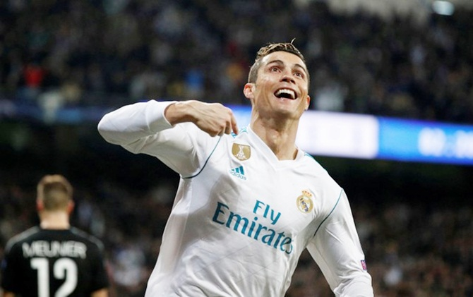 Rediff Sports - Cricket, Indian hockey, Tennis, Football, Chess, Golf - PICS: Ronaldo double as Real down PSG; Liverpool rout Porto