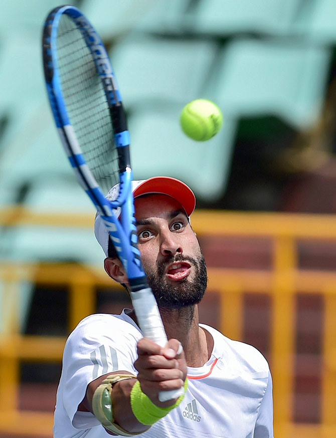 Rediff Sports - Cricket, Indian hockey, Tennis, Football, Chess, Golf - Bhambri, Thompson to clash in Chennai Open final
