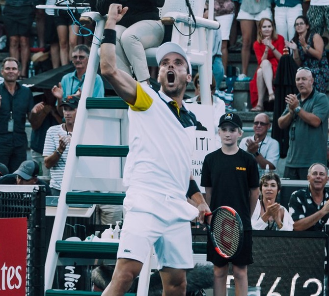 Rediff Sports - Cricket, Indian hockey, Tennis, Football, Chess, Golf - Bautista Agut beats del Potro to win Auckland title