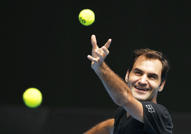 Rediff Sports - Cricket, Indian hockey, Tennis, Football, Chess, Golf - Day 2 at Aus Open: Federer, Djokovic in action on day of returns