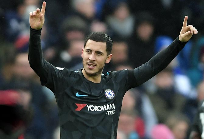 Hazard's double lifts Chelsea to victory