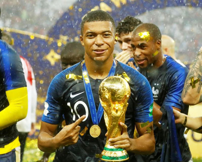 Rediff Sports - Cricket, Indian hockey, Tennis, Football, Chess, Golf - World champion teenager Mbappe is game's new global star