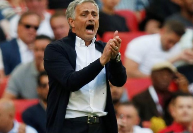 Rediff Sports - Cricket, Indian hockey, Tennis, Football, Chess, Golf - Football Briefs: Mourinho worried by United's 'very bad' pre-season