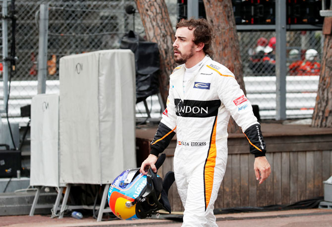 Rediff Sports - Cricket, Indian hockey, Tennis, Football, Chess, Golf - F1: Alonso's retirement not definite, keeps door ajar