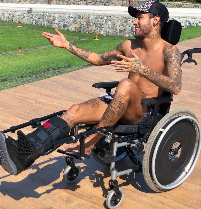 Rediff Sports - Cricket, Indian hockey, Tennis, Football, Chess, Golf - Neymar photo sparks internet stir