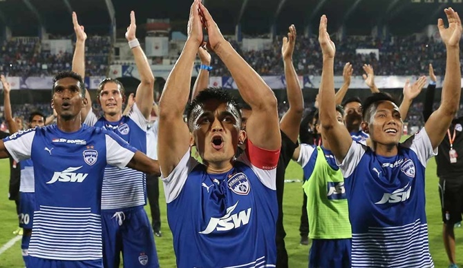 Rediff Sports - Cricket, Indian hockey, Tennis, Football, Chess, Golf - Vote: Who will be crowned ISL champs? Bengaluru FC or Chennaiyin FC?