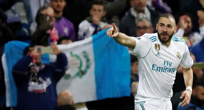 Karim Benzema scores Real Madrid's second goal