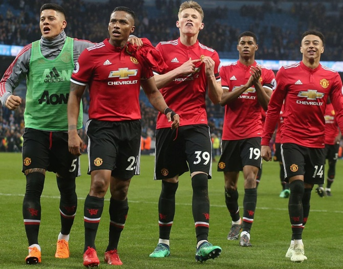 Manchester derby: United thriving as underdogs