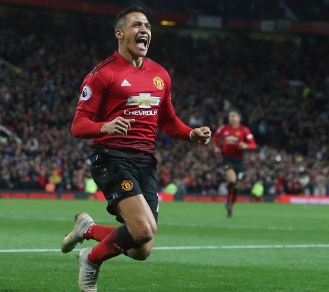 EPL PIX: Sanchez rescues United and Mourinho with late winner