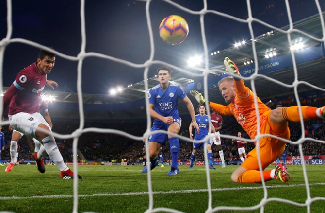 EPL: Leicester leave it late to salvage point