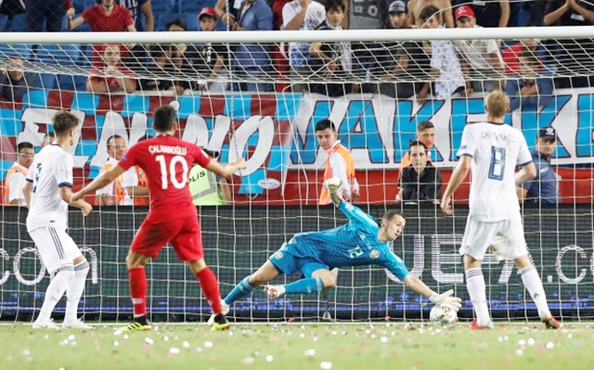 Rediff Sports - Cricket, Indian hockey, Tennis, Football, Chess, Golf - Nations League PICS: Russia edge Turkey, Italy hold Poland