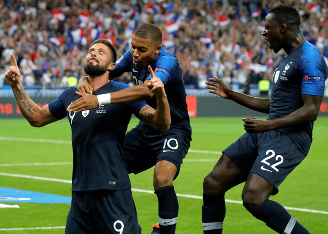 Rediff Sports - Cricket, Indian hockey, Tennis, Football, Chess, Golf - Football PHOTOS: France, Germany emerge winners
