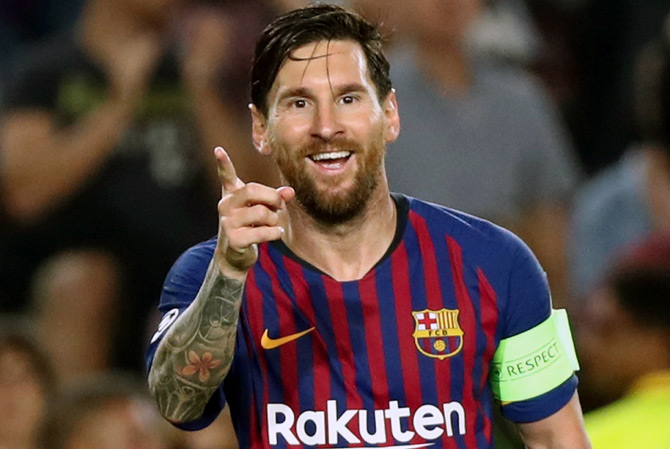 Rediff Sports - Cricket, Indian hockey, Tennis, Football, Chess, Golf - PIX: Messi hat-trick powers Barcelona to victory over PSV