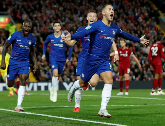 Chelsea's Hazard enjoying life under new manager Sarri