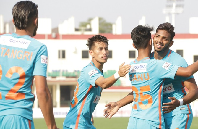 Rediff Sports - Cricket, Indian hockey, Tennis, Football, Chess, Golf - Indian Football Roundup: Arrows stun Minerva in I-League
