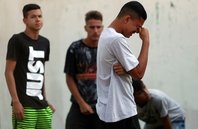 10 killed as fire sweeps through Flamengo soccer training centre in Rio