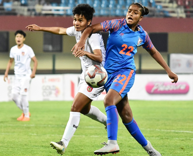 Rediff Sports - Cricket, Indian hockey, Tennis, Football, Chess, Golf - Indian Football Roundup: Myanmar knock India out of Gold Cup